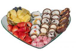 מגש לב דואט סושי מתוק ופירות
