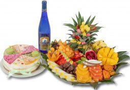 מארז החלומות - מגש פירות, עוגה ויין